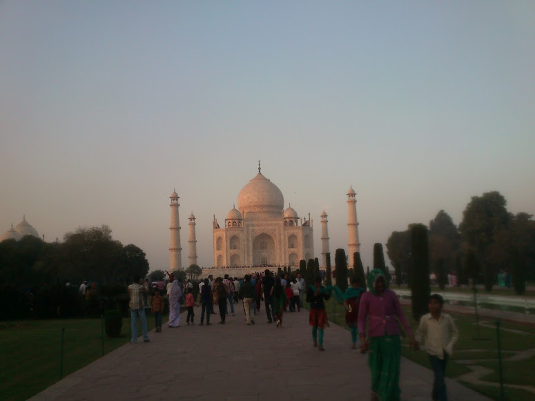 how to go to taj mahal for a visit